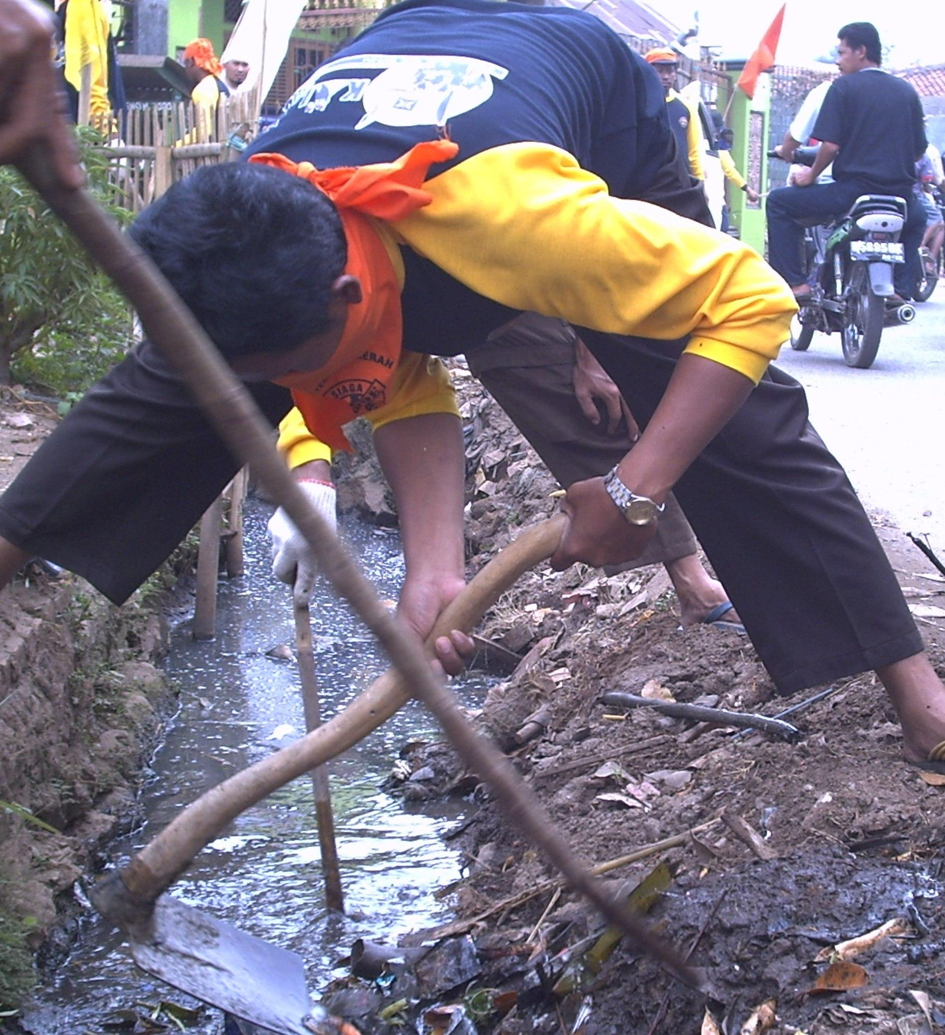 pict00801 Musim Hujan Warga PadangsidimpuanDiimbau Peduli Lingkungan